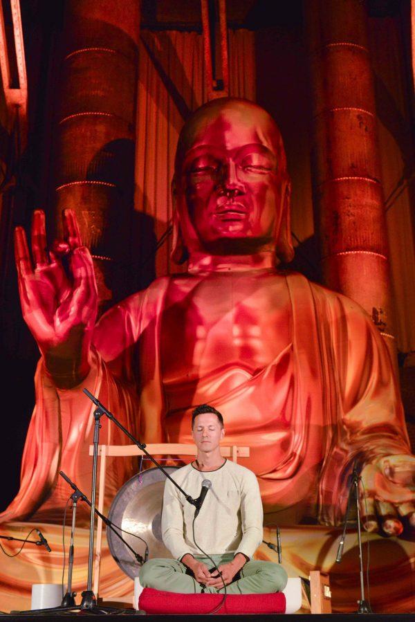 7.5m gold Buddha