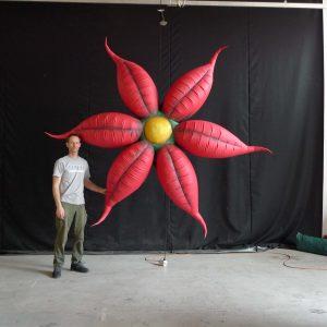 3.5m printed red flowers