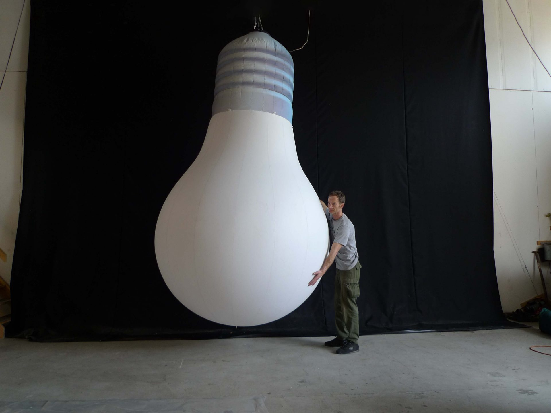 3m light bulb Airworks Rentals