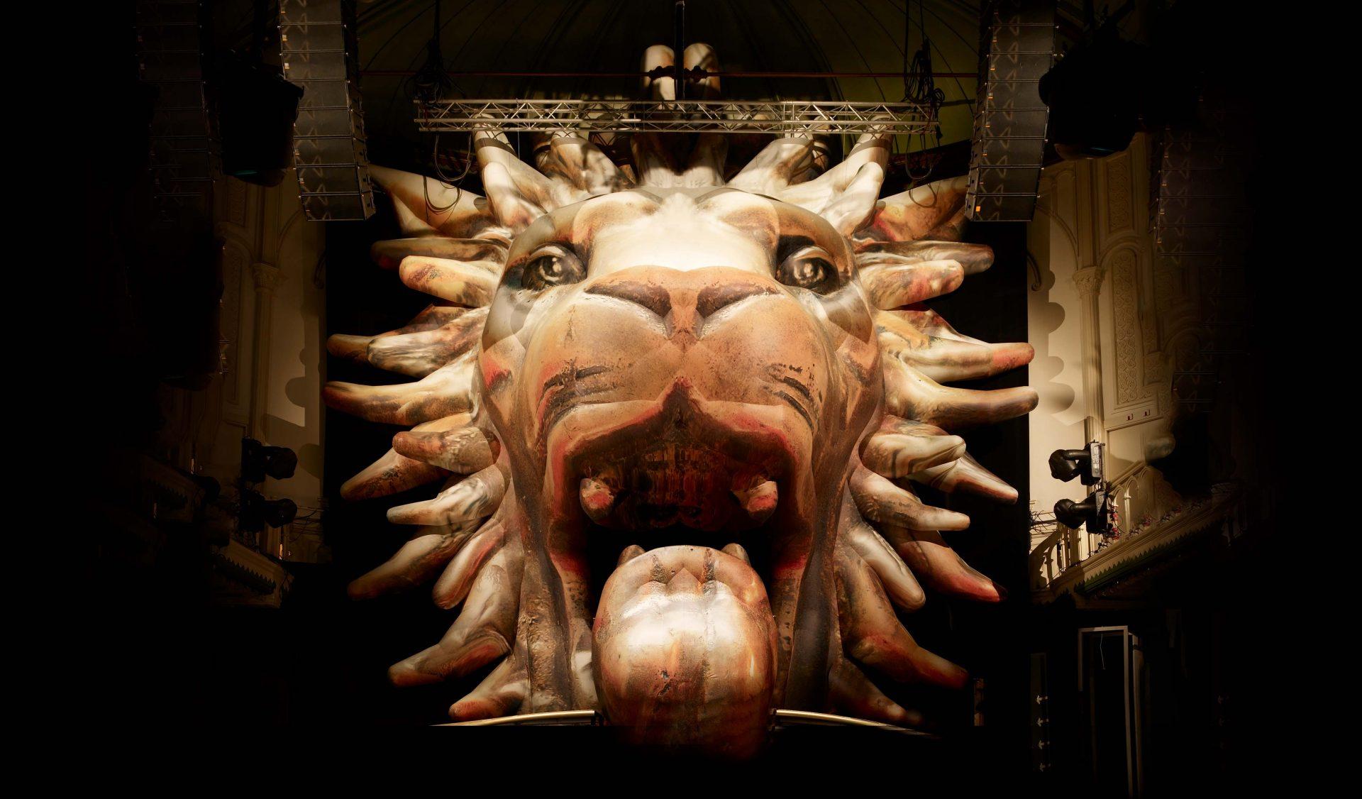 Lion 1100 cm